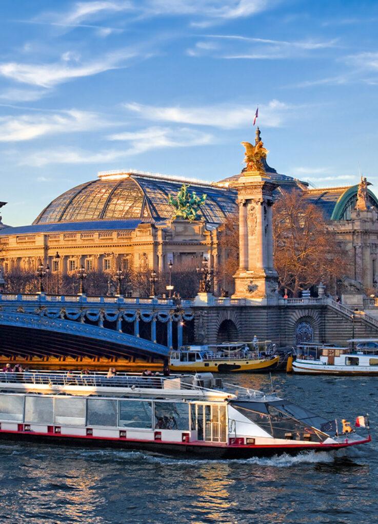 Paris Grand Palais et la Seine